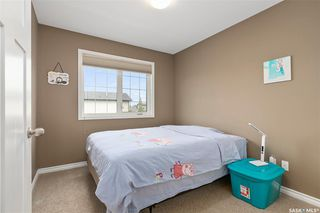 Photo 18: 831 Willowgrove Crescent in Saskatoon: Willowgrove Residential for sale : MLS®# SK813010
