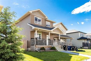 Photo 2: 831 Willowgrove Crescent in Saskatoon: Willowgrove Residential for sale : MLS®# SK813010