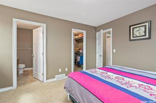 Photo 15: 831 Willowgrove Crescent in Saskatoon: Willowgrove Residential for sale : MLS®# SK813010