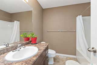 Photo 16: 831 Willowgrove Crescent in Saskatoon: Willowgrove Residential for sale : MLS®# SK813010
