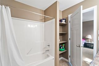 Photo 17: 831 Willowgrove Crescent in Saskatoon: Willowgrove Residential for sale : MLS®# SK813010