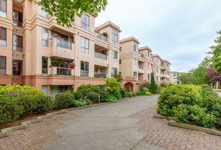 Photo 3: 412 545 Manchester Rd in : Vi Burnside Condo Apartment for sale (Victoria)  : MLS®# 851732
