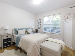 """Photo 11: 101 988 W 16TH Avenue in Vancouver: Cambie Condo for sale in """"THE OAKS"""" (Vancouver West)  : MLS®# R2498587"""