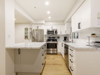 """Photo 6: 101 988 W 16TH Avenue in Vancouver: Cambie Condo for sale in """"THE OAKS"""" (Vancouver West)  : MLS®# R2498587"""
