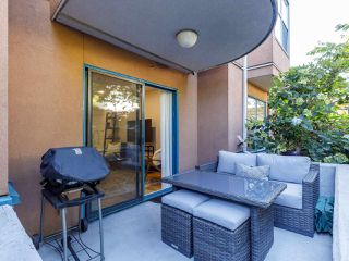 """Photo 8: 101 988 W 16TH Avenue in Vancouver: Cambie Condo for sale in """"THE OAKS"""" (Vancouver West)  : MLS®# R2498587"""