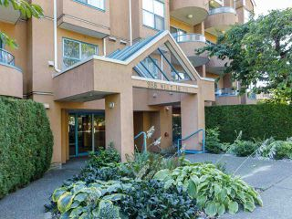 """Photo 13: 101 988 W 16TH Avenue in Vancouver: Cambie Condo for sale in """"THE OAKS"""" (Vancouver West)  : MLS®# R2498587"""