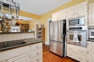 Photo 14: 1224 Chapman St in : Vi Fairfield West House for sale (Victoria)  : MLS®# 859273
