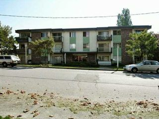 "Photo 8: 610 3RD Ave in New Westminster: Uptown NW Condo for sale in ""Jae Mar Court"" : MLS®# V618519"