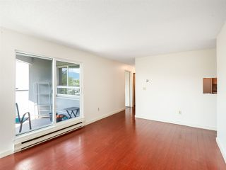 "Photo 5: 204 1345 W 4TH Avenue in Vancouver: False Creek Condo for sale in ""GRANVILLE ISLAND VILLAGE"" (Vancouver West)  : MLS®# R2396643"