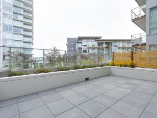 "Photo 11: 104 1768 GILMORE Avenue in Burnaby: Brentwood Park Condo for sale in ""Escala"" (Burnaby North)  : MLS®# R2398729"