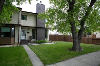 Photo 2: 909 Dugas Street in Winnipeg: Windsor Park Residential for sale (2G)  : MLS®# 202011455