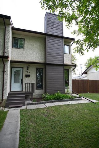 Photo 3: 909 Dugas Street in Winnipeg: Windsor Park Residential for sale (2G)  : MLS®# 202011455