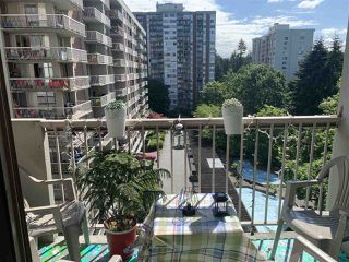 "Photo 2: 908 2016 FULLERTON Avenue in North Vancouver: Pemberton NV Condo for sale in ""WOODCROFT ESTATE"" : MLS®# R2465115"