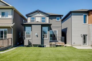 Photo 5: 329 Walgrove Terrace SE in Calgary: Walden Detached for sale : MLS®# A1045939