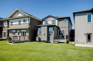 Photo 6: 329 Walgrove Terrace SE in Calgary: Walden Detached for sale : MLS®# A1045939