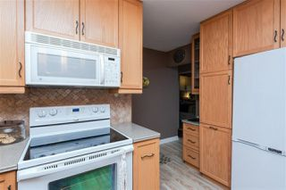 Photo 6: 2325 MILLBOURNE Road W in Edmonton: Zone 29 House for sale : MLS®# E4169448