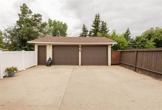 Photo 30: 2325 MILLBOURNE Road W in Edmonton: Zone 29 House for sale : MLS®# E4169448