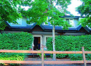 Photo 1: 13 8737 161 Street in Surrey: Fleetwood Tynehead Townhouse for sale : MLS®# R2421904