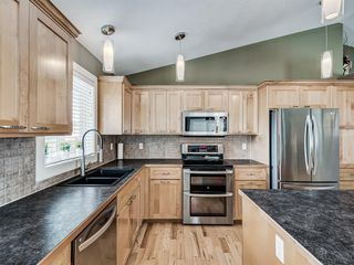 Photo 11: 108 CAMDEN Place: Strathmore Detached for sale : MLS®# A1017108