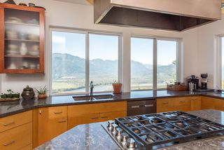 Photo 15: 43380 HONEYSUCKLE Drive in Chilliwack: Chilliwack Mountain House for sale : MLS®# R2503671