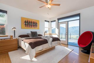 Photo 18: 43380 HONEYSUCKLE Drive in Chilliwack: Chilliwack Mountain House for sale : MLS®# R2503671