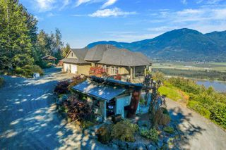 Photo 38: 43380 HONEYSUCKLE Drive in Chilliwack: Chilliwack Mountain House for sale : MLS®# R2503671