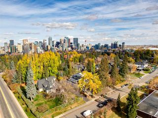 Photo 4: 868 Hillcrest Avenue SW in Calgary: Upper Mount Royal Detached for sale : MLS®# A1042342