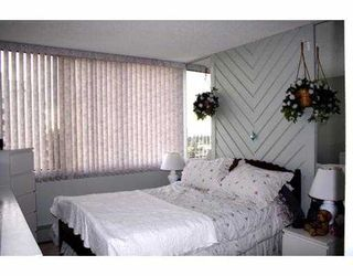 """Photo 8: 4105 MAYWOOD Street in Burnaby: Metrotown Condo for sale in """"TIMES SQUARE"""" (Burnaby South)  : MLS®# V621822"""