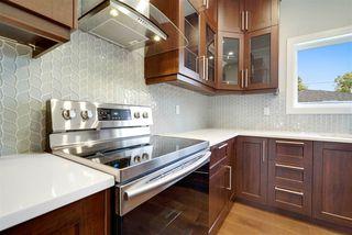 Photo 3: 11055 161 Street in Edmonton: Zone 21 House for sale : MLS®# E4167418