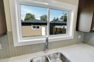 Photo 2: 11055 161 Street in Edmonton: Zone 21 House for sale : MLS®# E4167418