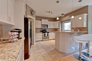 Photo 7: 1208 HOLLANDS Close in Edmonton: Zone 14 House for sale : MLS®# E4169793