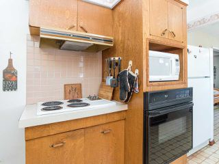 Photo 4: 7080 CURTIS Street in Burnaby: Westridge BN House for sale (Burnaby North)  : MLS®# R2481335