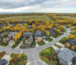 Photo 3: 32 Wentwillow Lane SW in Calgary: West Springs Detached for sale : MLS®# A1056661