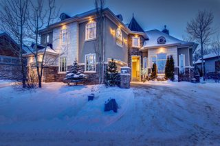 Photo 1: 32 Wentwillow Lane SW in Calgary: West Springs Detached for sale : MLS®# A1056661