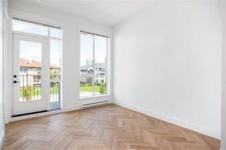 Photo 4: 202 10168 149 Street in Surrey: Guildford Condo for sale (North Surrey)  : MLS®# R2389741