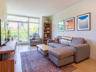 "Photo 2: 302 2788 PRINCE EDWARD Street in Vancouver: Mount Pleasant VE Condo for sale in ""Uptown"" (Vancouver East)  : MLS®# R2401533"