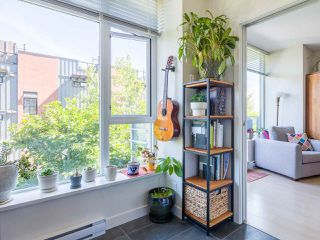 "Photo 13: 302 2788 PRINCE EDWARD Street in Vancouver: Mount Pleasant VE Condo for sale in ""Uptown"" (Vancouver East)  : MLS®# R2401533"