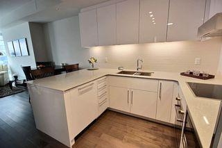 Photo 2: 2805 10360 102 Street in Edmonton: Zone 12 Condo for sale : MLS®# E4188499