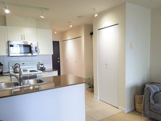 "Photo 5: 1610 938 SMITHE Street in Vancouver: Downtown VW Condo for sale in ""ELECTRIC AVENUE"" (Vancouver West)  : MLS®# R2440218"