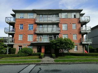 Main Photo: 404 5689 KINGS Road in Vancouver: University VW Condo for sale (Vancouver West)  : MLS®# R2453847