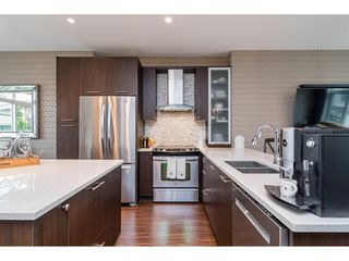 """Photo 5: 62 9989 BARNSTON Drive in Surrey: Fraser Heights Townhouse for sale in """"HIGHCREST"""" (North Surrey)  : MLS®# R2471184"""