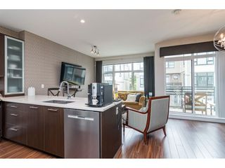 """Photo 7: 62 9989 BARNSTON Drive in Surrey: Fraser Heights Townhouse for sale in """"HIGHCREST"""" (North Surrey)  : MLS®# R2471184"""