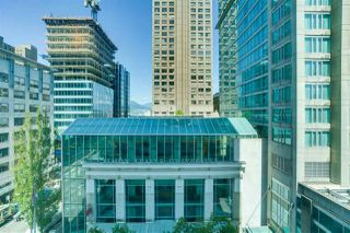 "Photo 13: 606 438 SEYMOUR Street in Vancouver: Downtown VW Condo for sale in ""CONFERENCE PLAZA"" (Vancouver West)  : MLS®# R2480252"