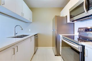 "Photo 2: 606 438 SEYMOUR Street in Vancouver: Downtown VW Condo for sale in ""CONFERENCE PLAZA"" (Vancouver West)  : MLS®# R2480252"