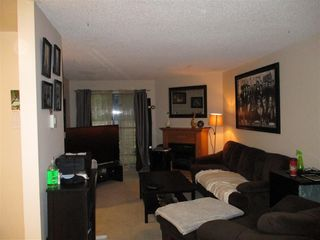"""Photo 5: 10550 HOLLY PARK Lane in Surrey: Guildford Townhouse for sale in """"Holly Park"""" (North Surrey)  : MLS®# R2498692"""