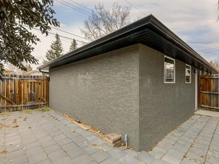 Photo 30: 40 ROSSDALE Road SW in Calgary: Rosscarrock Semi Detached for sale : MLS®# A1046518