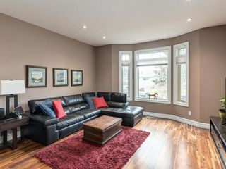 Photo 3: 40 ROSSDALE Road SW in Calgary: Rosscarrock Semi Detached for sale : MLS®# A1046518