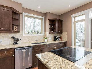 Photo 10: 40 ROSSDALE Road SW in Calgary: Rosscarrock Semi Detached for sale : MLS®# A1046518