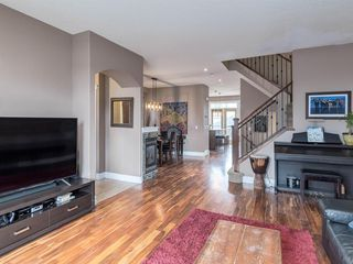 Photo 5: 40 ROSSDALE Road SW in Calgary: Rosscarrock Semi Detached for sale : MLS®# A1046518