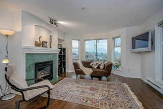 """Photo 3: 304 55 E 10TH Avenue in Vancouver: Mount Pleasant VE Condo for sale in """"ABBEY LANE"""" (Vancouver East)  : MLS®# R2526018"""